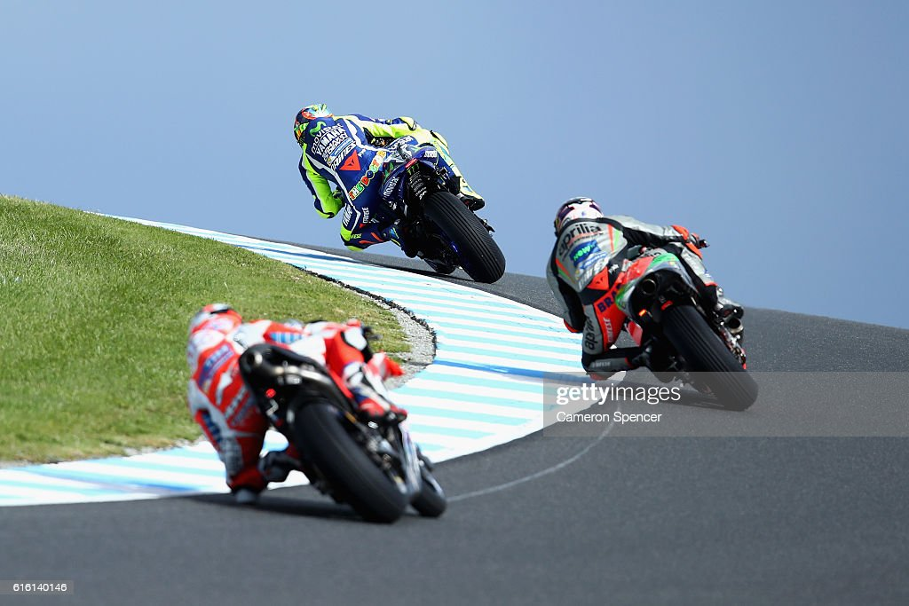 Valention Rossi of Italy and Movistar Yamaha MotoGP and other riders head over Lukey Heights during free practice for the 2016 MotoGP of Australia at Phillip Island Grand Prix Circuit on October 22, 2016 in Phillip Island, Australia.