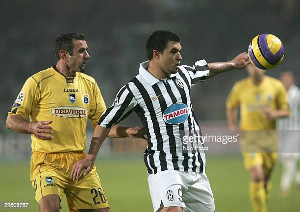 Valeri Bojinov of Juventus in action during the Serie B match between Juventus and Pescara at the Delle Alpi Stadium on November 11 2006 in Turin...