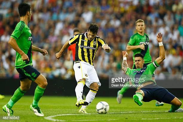 Valeri Kazaishvili of Vitesse shoots on goal in front of Jose Fonte and Maya Yoshida of Southampton during the UEFA Europa League third qualifying...