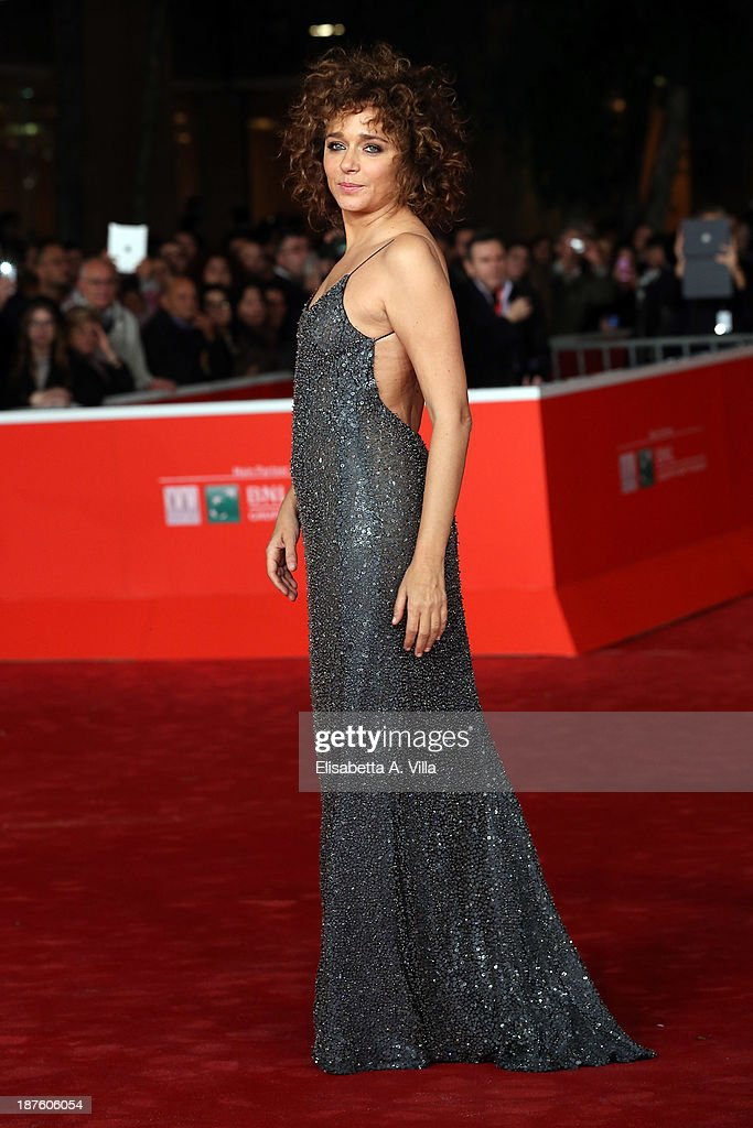 <a gi-track='captionPersonalityLinkClicked' href=/galleries/search?phrase=Valeria+Golino&family=editorial&specificpeople=676323 ng-click='$event.stopPropagation()'>Valeria Golino</a> attends 'Come Il Vento' Premiere during The 8th Rome Film Festival on November 10, 2013 in Rome, Italy.