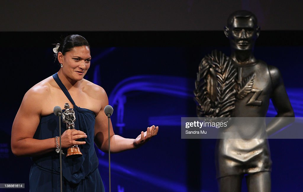 <a gi-track='captionPersonalityLinkClicked' href=/galleries/search?phrase=Valerie+Adams&family=editorial&specificpeople=2174723 ng-click='$event.stopPropagation()'>Valerie Adams</a> accepts her award for Sportswoman of the Year during the 2012 Halberg Awards at Sky City Convention Centre on February 9, 2012 in Auckland, New Zealand.