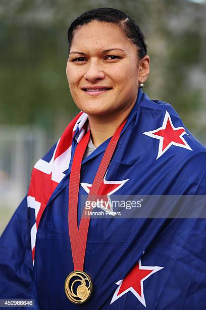 Valerie Adams of New Zealand poses with her gold medal during day eight of the Glasgow 2014 Commonwealth Games on July 31 2014 in Glasgow United...