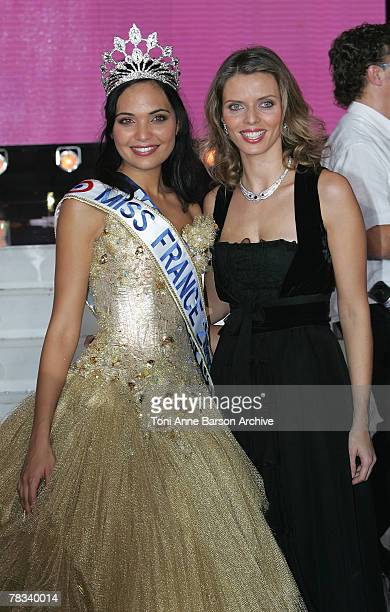 Valerie Begue Miss Reunion elected Miss France 2008 with Miss France 2002 Sophie Tellier on December 8 2007 in Dunkerque France
