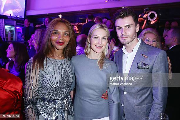 Valerie Campbell Kelly Rutherford PaulHenry Duval during the Lambertz Monday Night 2016 at Alter Wartesaal on February 1 2016 in Cologne Germany