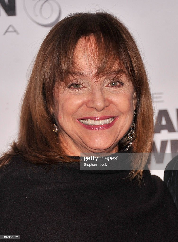 <a gi-track='captionPersonalityLinkClicked' href=/galleries/search?phrase=Valerie+Harper&family=editorial&specificpeople=206853 ng-click='$event.stopPropagation()'>Valerie Harper</a> attends the 2013 Barnstable-Brown Derby gala at Barnstable-Brown House on May 3, 2013 in Louisville, Kentucky.