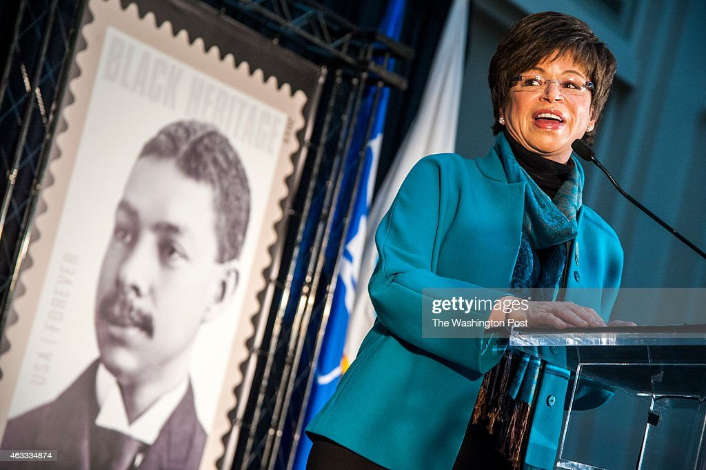 <a gi-track='captionPersonalityLinkClicked' href=/galleries/search?phrase=Valerie+Jarrett&family=editorial&specificpeople=5003206 ng-click='$event.stopPropagation()'>Valerie Jarrett</a>, Advisor to the President, talks about her great-grand father, Robert Robinson Taylor, after she unveiled the postage stamp at the first day of issue ceremony at the National Postal Museum February, 12, 2015 in Washington, DC.