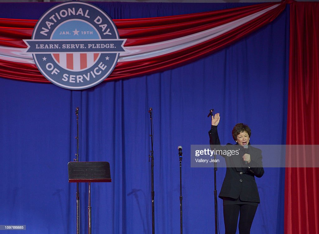 <a gi-track='captionPersonalityLinkClicked' href=/galleries/search?phrase=Valerie+Jarrett&family=editorial&specificpeople=5003206 ng-click='$event.stopPropagation()'>Valerie Jarrett</a> attends Presidential National Day Of Service at National Mall on January 19, 2013 in Washington, DC.