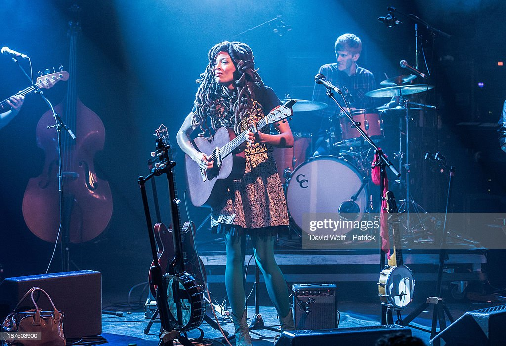 <a gi-track='captionPersonalityLinkClicked' href=/galleries/search?phrase=Valerie+June&family=editorial&specificpeople=5801252 ng-click='$event.stopPropagation()'>Valerie June</a> performs during Les Inrocks Festival at La Cigale on November 9, 2013 in Paris, France.