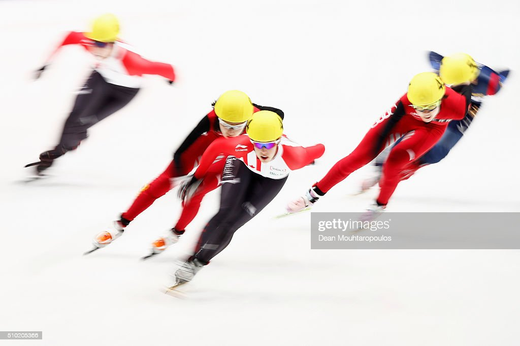 <a gi-track='captionPersonalityLinkClicked' href=/galleries/search?phrase=Valerie+Maltais&family=editorial&specificpeople=6751310 ng-click='$event.stopPropagation()'>Valerie Maltais</a> (C) of Canada competes in the Ladies 1000m Final during ISU Short Track Speed Skating World Cup held at The Sportboulevard on February 14, 2016 in Dordrecht, Netherlands.