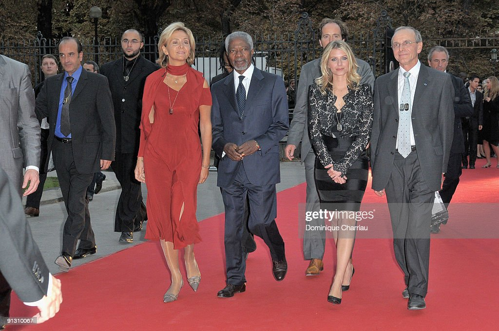 Valerie Pecresse, Koffi Annan, <a gi-track='captionPersonalityLinkClicked' href=/galleries/search?phrase=Melanie+Laurent&family=editorial&specificpeople=2721978 ng-click='$event.stopPropagation()'>Melanie Laurent</a> attend 'Beds Are Burning' song launch by <a gi-track='captionPersonalityLinkClicked' href=/galleries/search?phrase=Kofi+Annan&family=editorial&specificpeople=169832 ng-click='$event.stopPropagation()'>Kofi Annan</a> and Havas Worldwide at Universite Paris Descartes on October 1, 2009 in Paris, France.