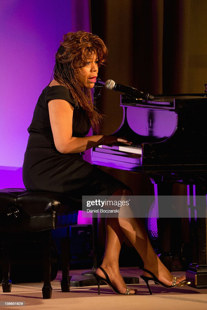 <a gi-track='captionPersonalityLinkClicked' href=/galleries/search?phrase=Valerie+Simpson+-+Recording+Artist&family=editorial&specificpeople=235722 ng-click='$event.stopPropagation()'>Valerie Simpson</a> attends An Evening with Berry Gordy at the Art Institute Of Chicago on November 17, 2012 in Chicago, Illinois.