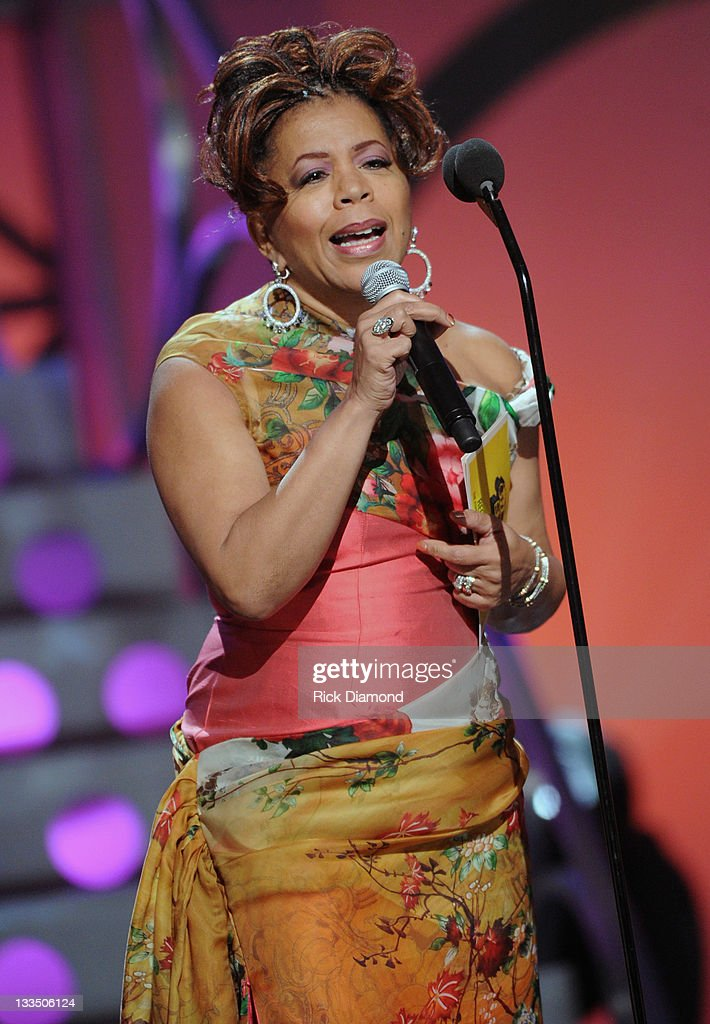 <a gi-track='captionPersonalityLinkClicked' href=/galleries/search?phrase=Valerie+Simpson+-+Recording+Artist&family=editorial&specificpeople=235722 ng-click='$event.stopPropagation()'>Valerie Simpson</a> during the 2011 Soul Train Awards at The Fox Theatre on November 17, 2011 in Atlanta, Georgia.