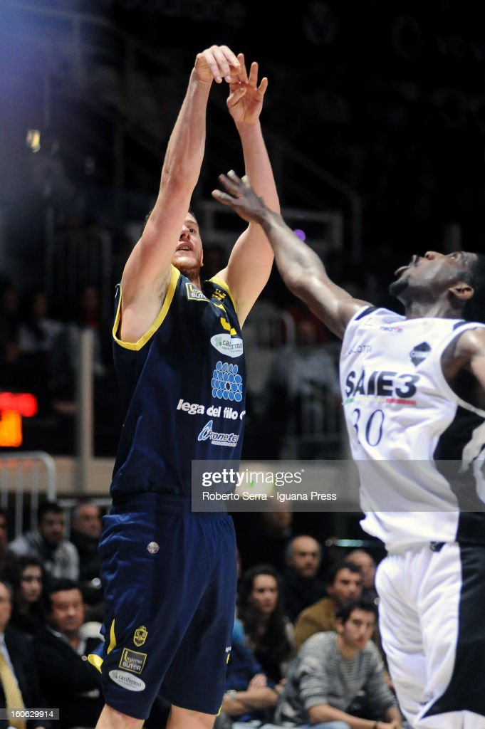 Valerio Amoroso of Sutor competes with Steven Smith of SAIE3 during the LegaBasket Serie A match between Virtus Bologna SAIE3 and Sutor Montegranaro at Unipol Arena on February 3, 2013 in Bologna, Italy.