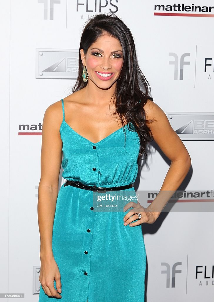 <a gi-track='captionPersonalityLinkClicked' href=/galleries/search?phrase=Valery+Ortiz&family=editorial&specificpeople=642267 ng-click='$event.stopPropagation()'>Valery Ortiz</a> attends the Matt Leinart Foundation's 7th Annual 'Celebrity Bowl' at Lucky Strikes on July 18, 2013 in Hollywood, California.