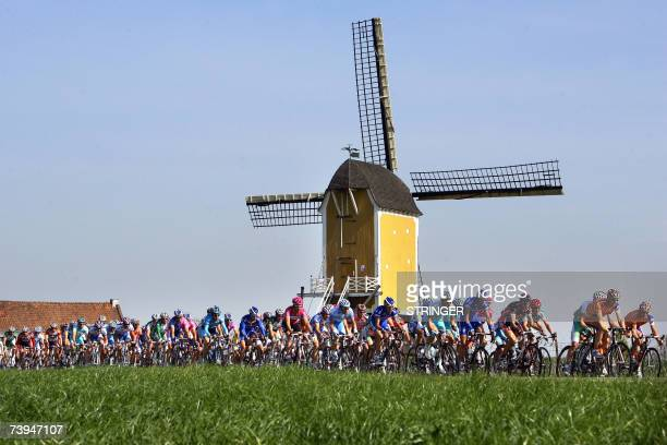 The pack of cyclists passes the St Hubertus Windmill during the Amstel Gold Race 22 April 2007 in Valkenburg ANP PHOTO VINCENT JANNINK netherlands out