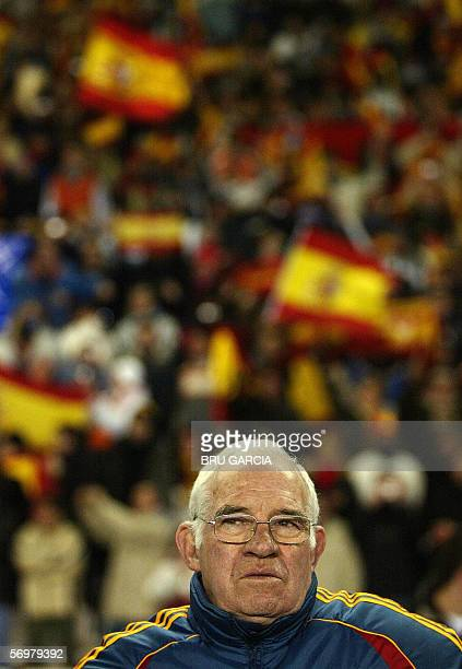 Spain's coach Luis Aragones is seen prior to the start of the international friendly football match against Ivory Coast in Valladolid 01 March 2006...