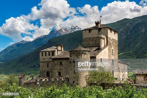 Valle D'Aosta, Saint Pierre, Sarriod Castle