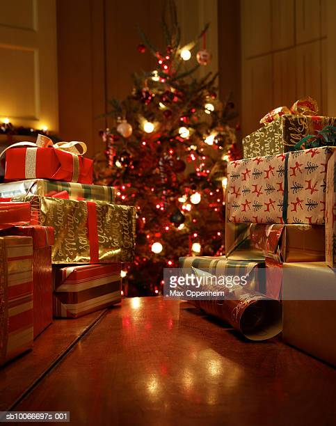 Valley of gifts leads towards Christmas tree
