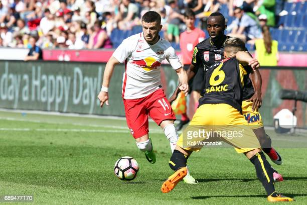Valon Berisha of Red Bull Salzburg in action during the Austrian Bundesliga match between Red Bull Salzburg and Cashpoint SCR Altach at Red Bull...