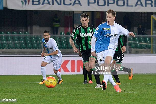 Valter Birsa of Chievo Verona scores his opening goal from the penalty spot during the Serie A match between AC Chievo Verona and US Sassuolo Calcio...