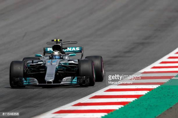 Valtteri Bottas driving the Mercedes AMG Petronas F1 Team Mercedes F1 WO8 on track during the Formula One Grand Prix of Austria