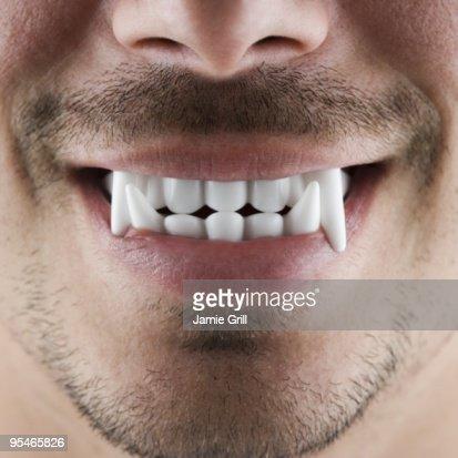 Vampire fangs : Stock-Foto