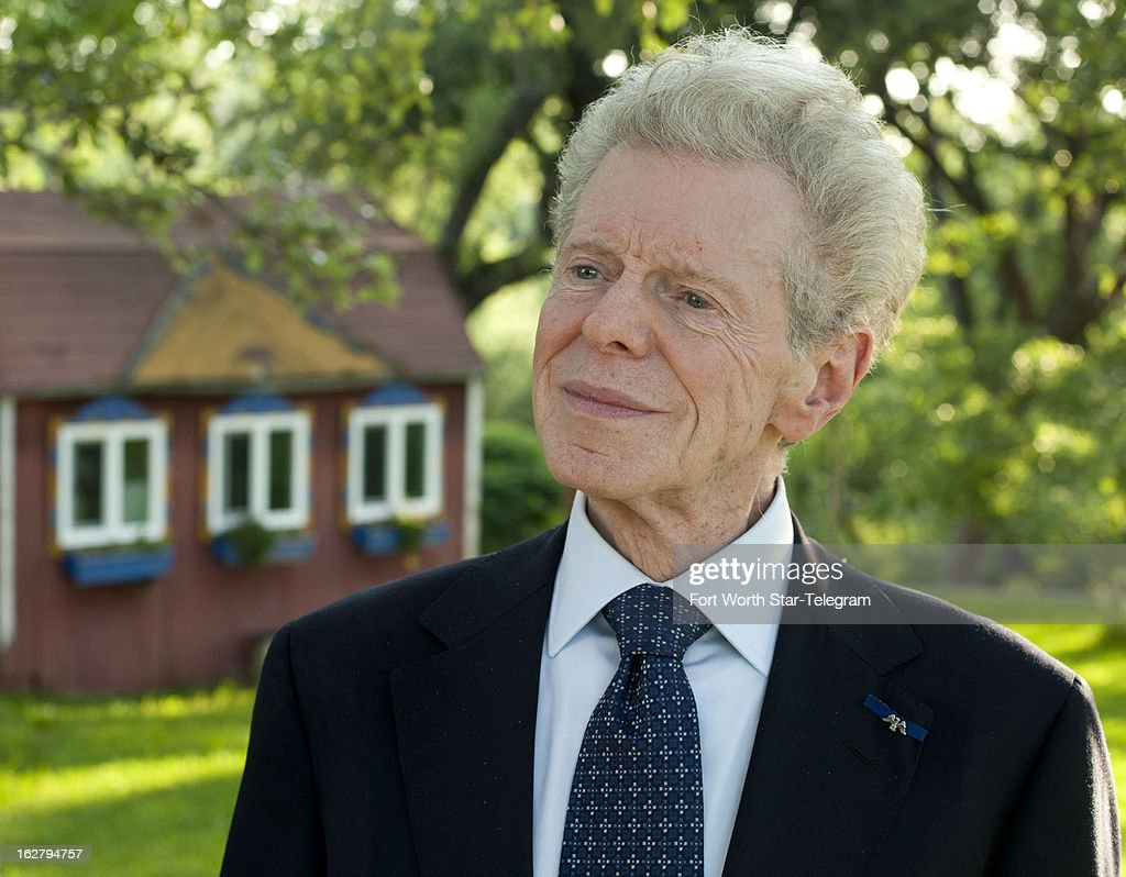 Van Cliburn is pictured at his home in Fort Worth Texas May 3 2012 Cliburn the legenday pianist died Wednesday February 27 2013 He was 78