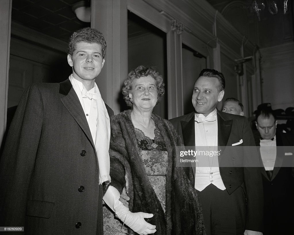 <a gi-track='captionPersonalityLinkClicked' href=/galleries/search?phrase=Van+Cliburn&family=editorial&specificpeople=94186 ng-click='$event.stopPropagation()'>Van Cliburn</a>, the American pianist is shown here with his mother Mrs. Rildia O'Bryan and Russian conductor Mr. Kirill Knodrchin.