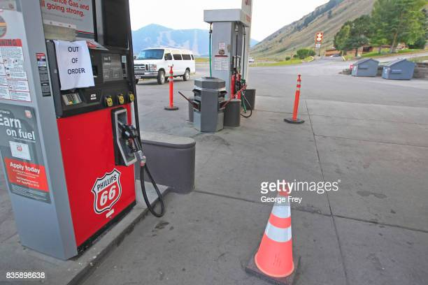 A van pulls into a gas station that has run out of gas because of increased demand on August 19 2017 in Jackson Wyoming People are flocking to the...