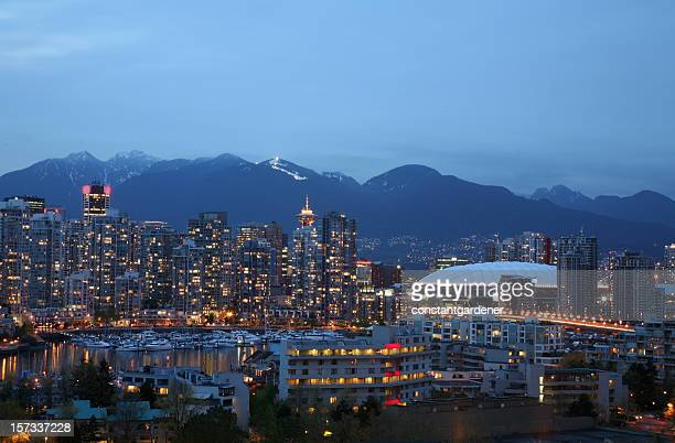 Vancouver Yaletown With Grouse Mountain