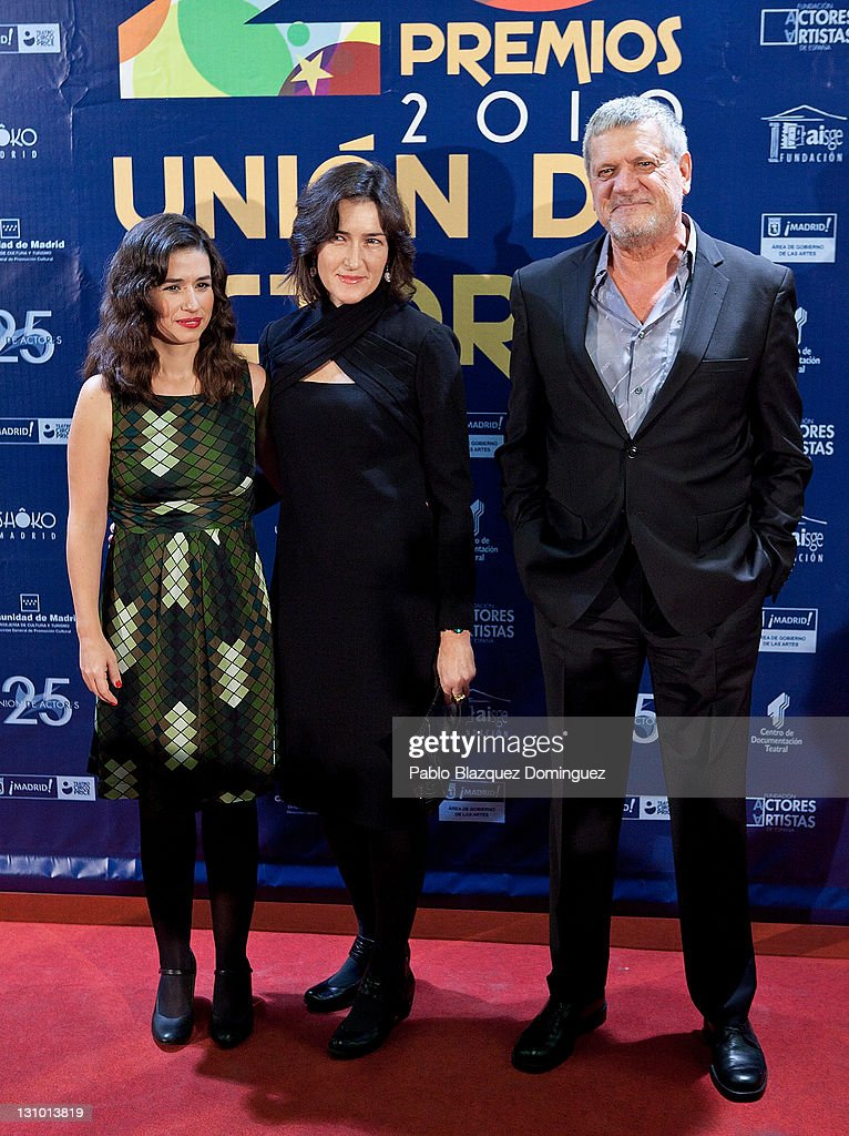 Vanesa Espin Angeles Gonzalez Sinde and Vicente Cuesta attend XX Union de Actores Awards at Circo Price Theatre on October 31 2011 in Madrid Spain