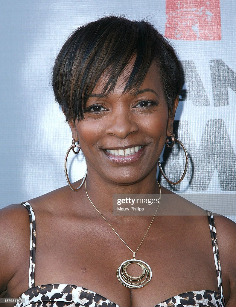 <a gi-track='captionPersonalityLinkClicked' href=/galleries/search?phrase=Vanessa+Bell+Calloway&family=editorial&specificpeople=847125 ng-click='$event.stopPropagation()'>Vanessa Bell Calloway</a> attends '12 Angry Men' at the Pasadena Playhouse on November 10, 2013 in Pasadena, California.