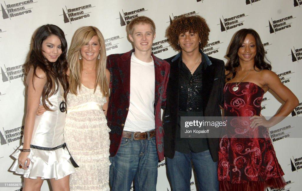 Vanessa Hudgens Ashley Tisdale Lucas Grabeel Corbin Bleu and Monique Coleman of 'High School Musical' presenters