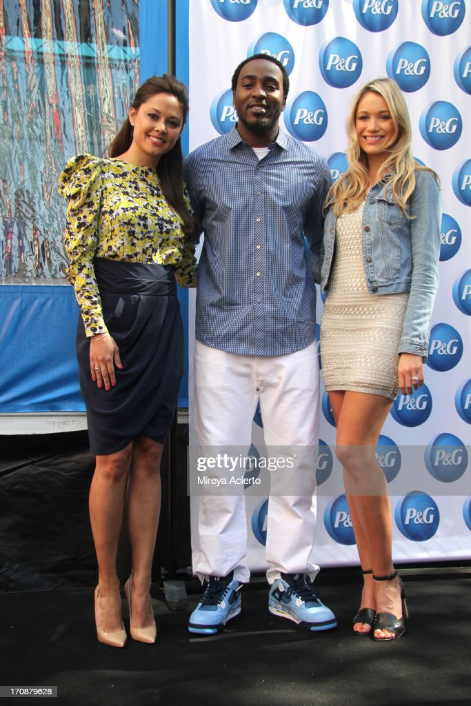 """""""Everyday Effect"""" Consumer Event With Nick And Vanessa Lachey"""