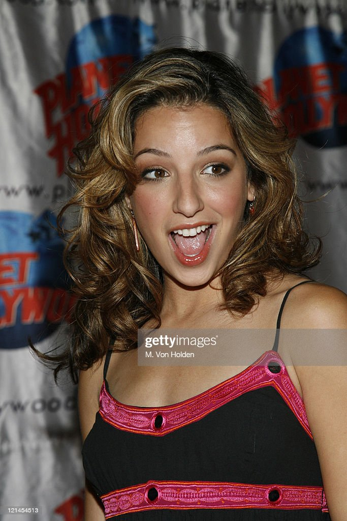 Vanessa Lengies Stock Photos and Pictures | Getty Images