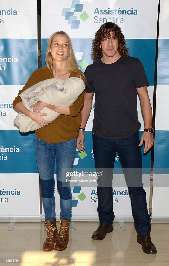 <a gi-track='captionPersonalityLinkClicked' href=/galleries/search?phrase=Vanessa+Lorenzo&family=editorial&specificpeople=2689356 ng-click='$event.stopPropagation()'>Vanessa Lorenzo</a> and Barcelona football player Carlos Puyol present their new baby Manuela on January 30, 2014 in Barcelona, Spain.