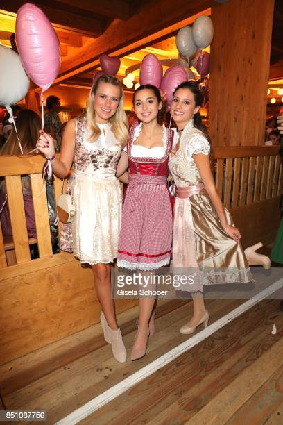 Vanessa Meisinger Blogger influencer Rona Oezkan and Nadine Menz at the 'Madlwiesn' event during the Oktoberfest at Theresienwiese on September 21...