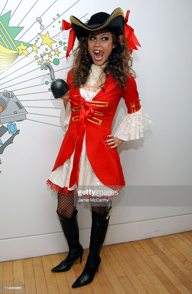 Vanessa Minnillo during Kiss and Lady Sovereign Vist MTV's 'TRL' - October 31, 2006 at MTV Studios Times Square in New York City, New York, United States.