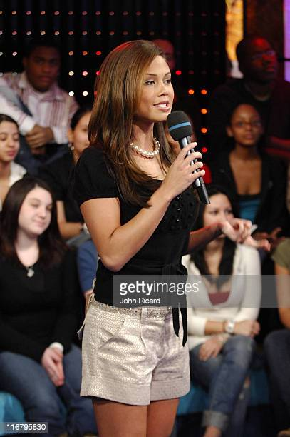 Vanessa Minnillo during Nate Dern and Cecille Gahr of 'Beauty and the Geek' Visit MTV's 'TRL' January 24 2007 at MTV Studios Times Square in New York...