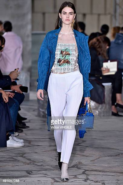 Vanessa Moody walks the runway during the Loewe Ready to Wear show as part of the Paris Fashion Week Womenswear Spring/Summer 2016 on October 2 2015...