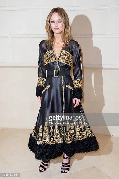 Vanessa Paradis attends the 'Chanel Collection des Metiers d'Art 2016/17 Paris Cosmopolite' show on December 6 2016 in Paris France