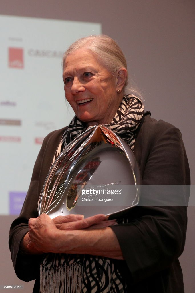 Vanessa Redgrave (R) receives from the Dom Luis I Foundation an Tribute to her career award while attending 'Festival Internacional De Cultura' in Cascais on September 17, 2017 in Cascais, Portugal.