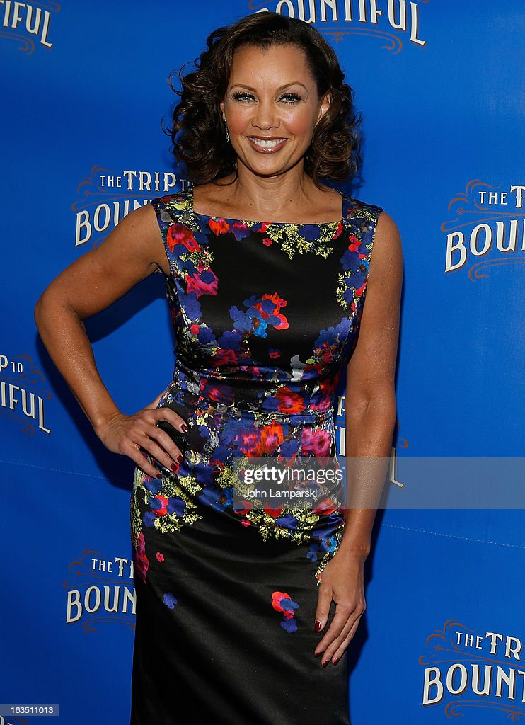 Vanessa Williams attends the 'The Trip To Bountiful' Broadway Cast Photocall at Sardi's on March 11, 2013 in New York City.