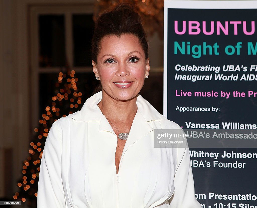Vanessa Williams attends Ubuntu Africa Worlds AIDS Day Benefit at Salmagundi Arts Club on December 8, 2012 in New York City.