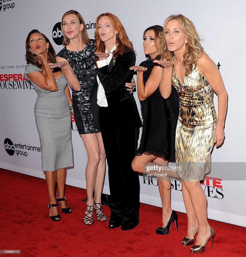 Vanessa Williams Brenda Strong Marcia Cross Eva Longoria and Felicity Huffman arrive at Disney ABC Television Group Hosts 'Desperate Housewives'...