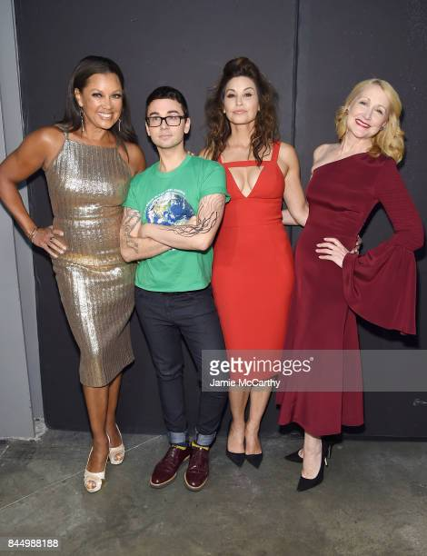 Vanessa Williams Christian Siriano Gina Gershon and Patricia Clarkson pose backstage for the Christian Siriano fashion show during New York Fashion...
