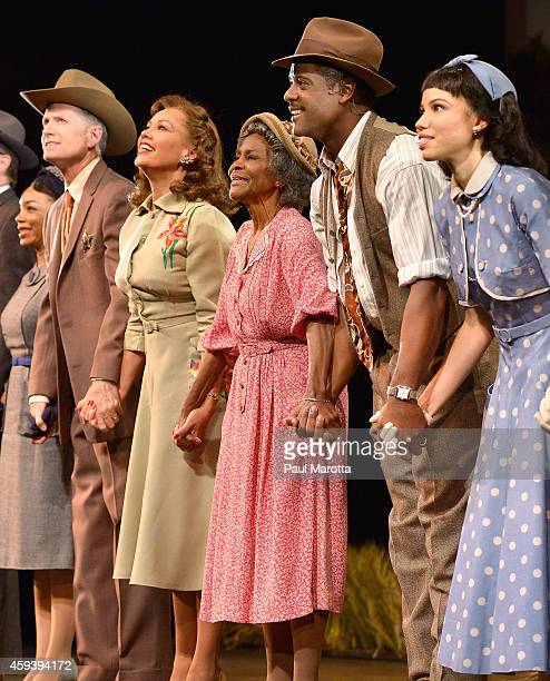 Vanessa Williams Cicely Tyson and Blair Underwood are joined by the cast to take a bow at the opening night performance of 'The Trip to Bountiful' as...