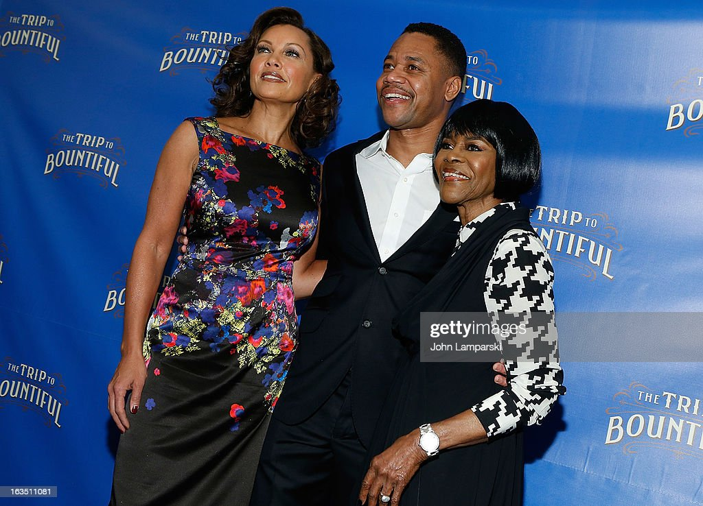 Vanessa Williams, Cuba Gooding JR., and <a gi-track='captionPersonalityLinkClicked' href=/galleries/search?phrase=Cicely+Tyson&family=editorial&specificpeople=211450 ng-click='$event.stopPropagation()'>Cicely Tyson</a> attend the 'The Trip To Bountiful' Broadway Cast Photocall>> at Sardi's on March 11, 2013 in New York City.