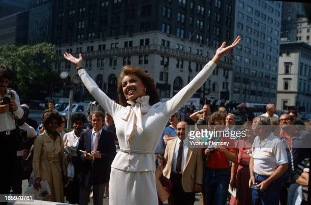 Vanessa Williams poses for photographers after being crowned Miss America September 19 1983 in New York City