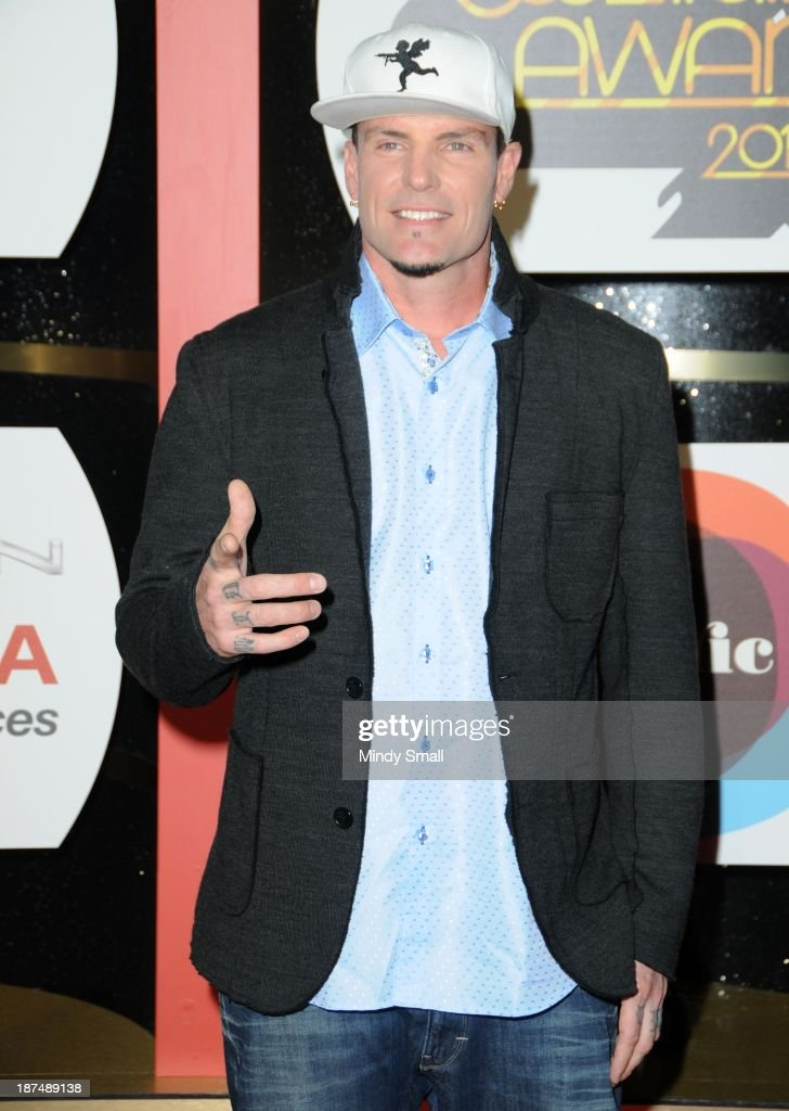 <a gi-track='captionPersonalityLinkClicked' href=/galleries/search?phrase=Vanilla+Ice&family=editorial&specificpeople=228351 ng-click='$event.stopPropagation()'>Vanilla Ice</a> arrives at the Soul Train Awards 2013 at the Orleans Hotel & Casino on November 8, 2013 in Las Vegas, Nevada.